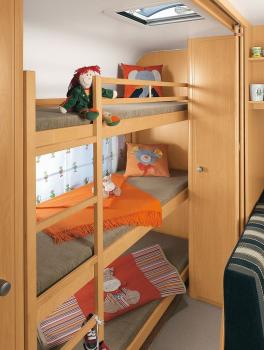 campingangebot in berlin mieten c24054. Black Bedroom Furniture Sets. Home Design Ideas