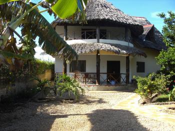 ferienhaus in diani beach kenia privat mieten. Black Bedroom Furniture Sets. Home Design Ideas