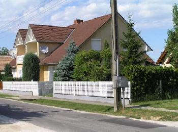 ferienhaus ferienwohnung in balatonkereszt r ungarn privat mieten. Black Bedroom Furniture Sets. Home Design Ideas