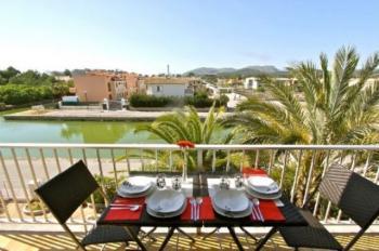 ferienwohnung in puerto d 39 alcudia spanien privat mieten. Black Bedroom Furniture Sets. Home Design Ideas