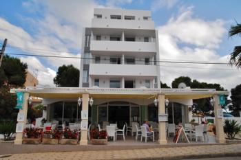 hotel pension in colonia de sant jordi mallorca privat. Black Bedroom Furniture Sets. Home Design Ideas