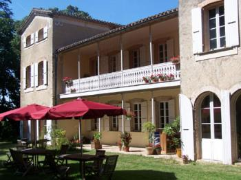 Hotel, Pension hp33460 in Vaudreuille