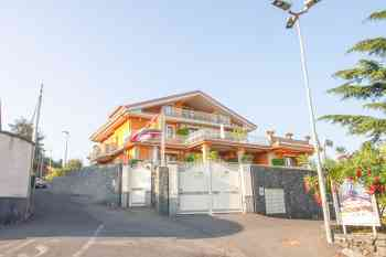 Hotel, Pension Trecastagni in Italien